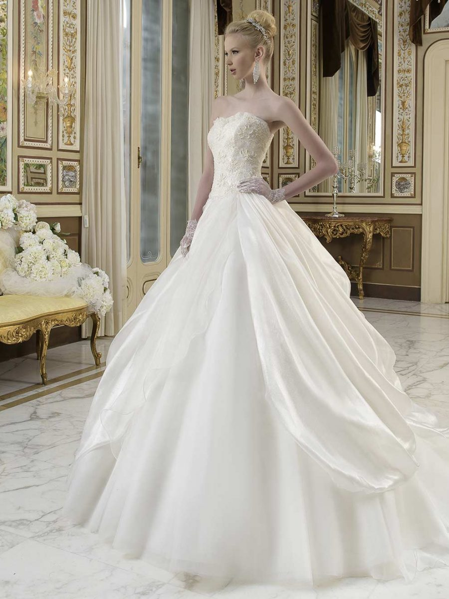 Vestiti Da Sposa Wish.Bridal Gown C17006a Collection Toi Couture